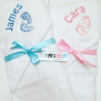 FEET PERSONALISED HOODED TOWEL